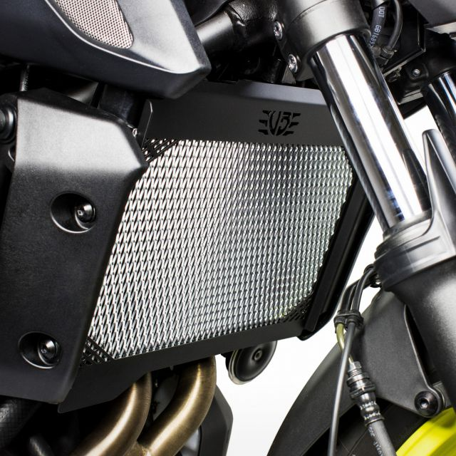 Yamaha MT-07 radiator guard