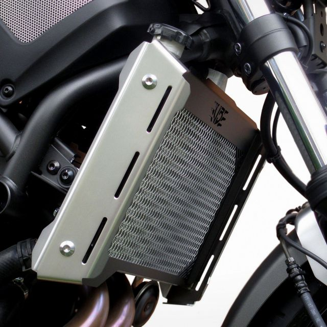 Yamaha XSR 700 radiator guard