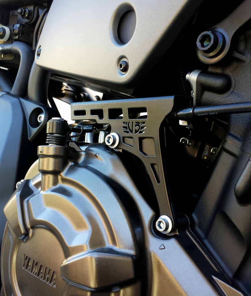 Yamaha XSR 700 couvercle dispositif embrayage
