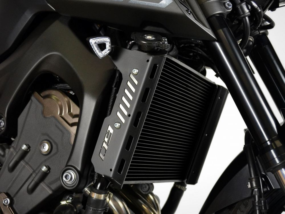 Yamaha MT-09 radiator side covers