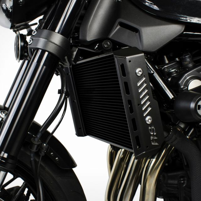 Kawasaki Z900RS radiator side covers