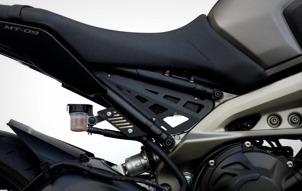 Yamaha MT-09 frame side carters