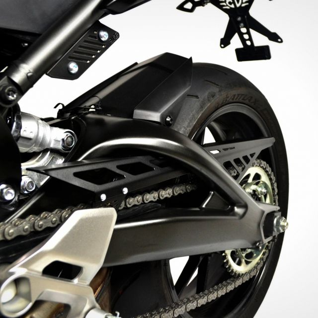 Yamaha MT-09 chain cover (without tail light cable guide)