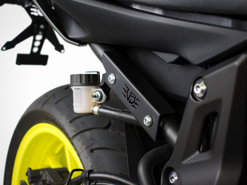 Yamaha MT-07 kit remplacement repose-pieds passager