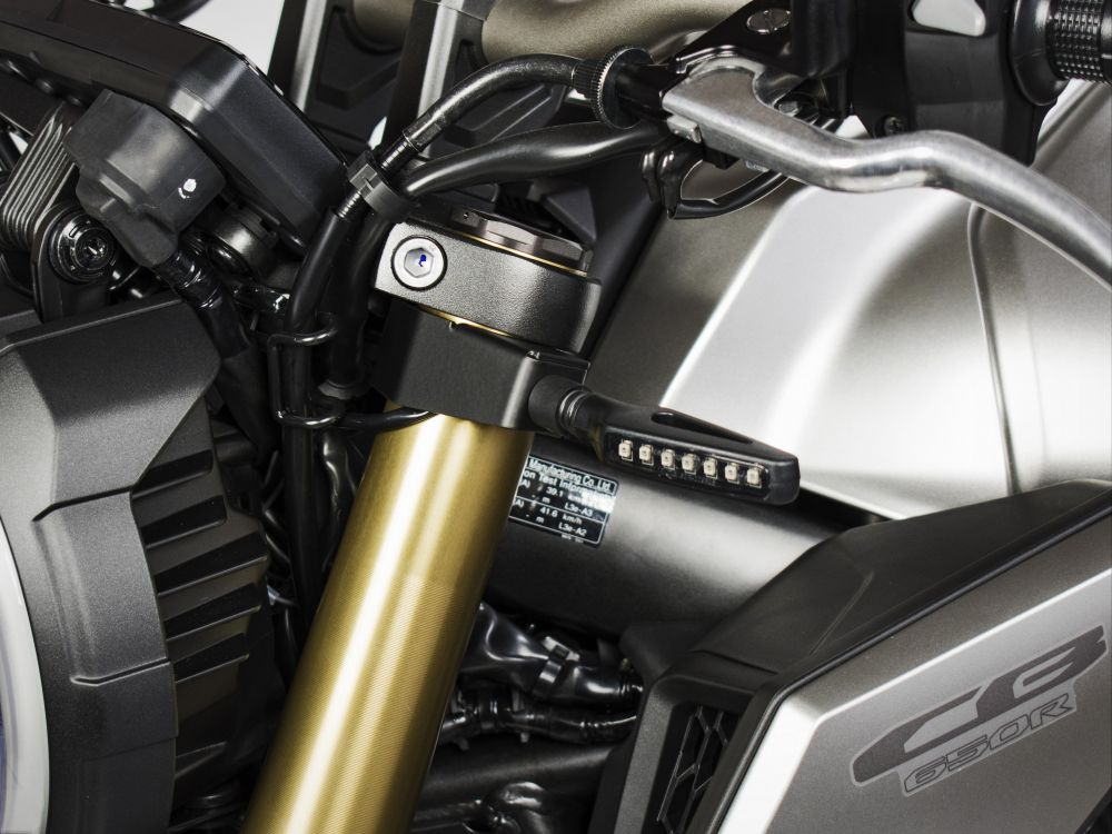 Honda CB650R aftermarket turn signals support kit on forks